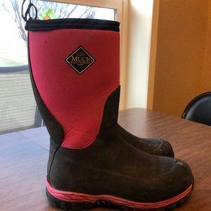 Girls muck boots size 4